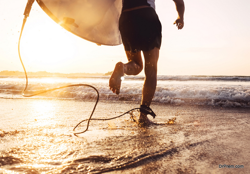 Surfing tips for beginners and first-time surfers