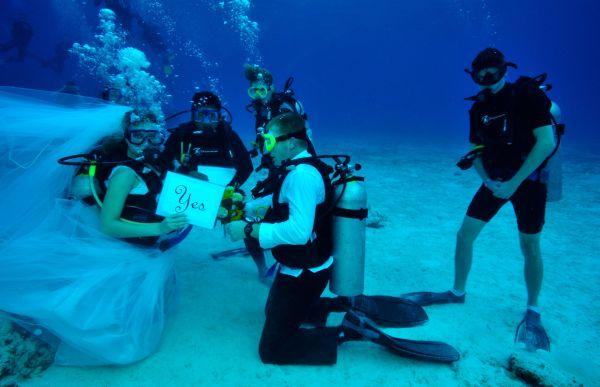 Cozumel, Mexico underwater wedding
