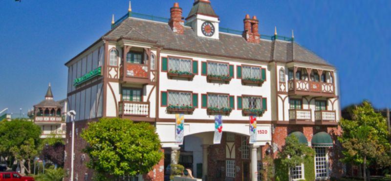 Camelot Inn & Suites Hotel