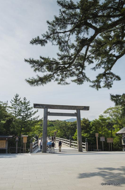 Japan's-Ise-Jingu