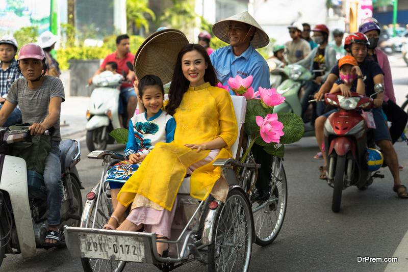 Experience cyclo rickshaw rides in Hanoi
