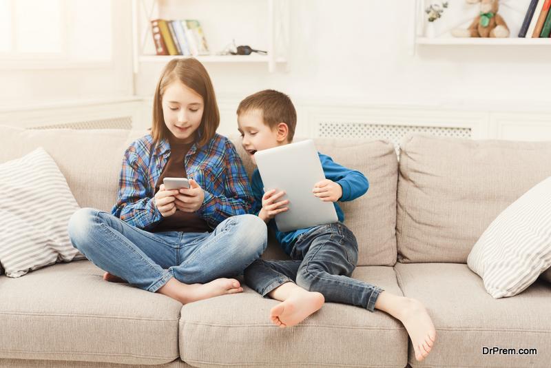 kids-in-digital-world