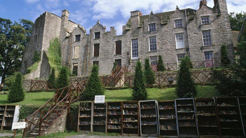 Hay-Castle-Bookshop-Hay-on-wye-United-Kingdom.