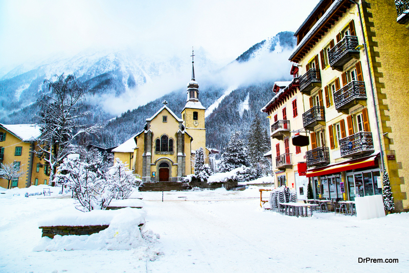 ski villages that Chamonix spreads out in