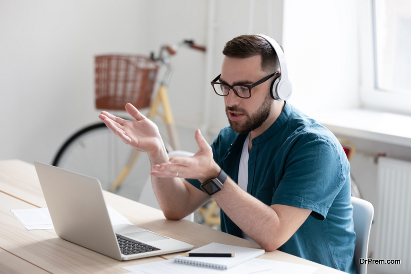 young-man-talking-to-a-friend-online