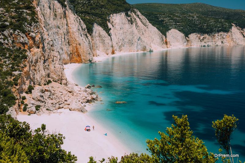 sandy-beach-of-Mykonos